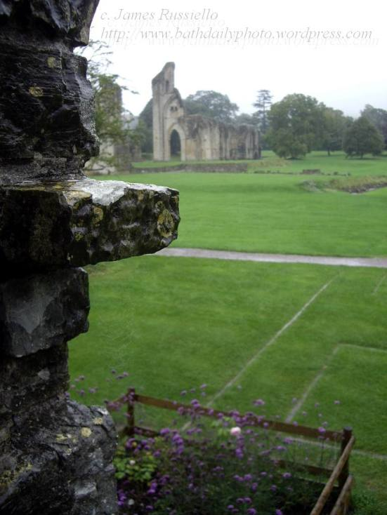 060929.139.Somset.Glastonbury.Abbey.Abbott's Hall.Crossing in background